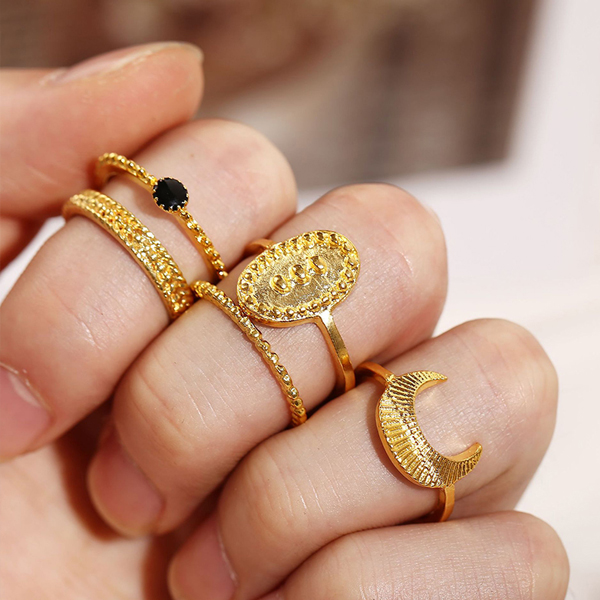 Five Pieces Gold Plated Casual Rings Set