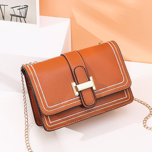 Buckle Magnetic Closure Chain Strap Messenger Bags - Brown