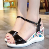 Texture Thick Bottom Buckle Closure Sandals - Black