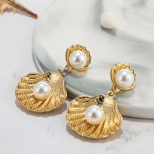 Pearl Designed Exclusive Party Wear Ear Tops - Golden