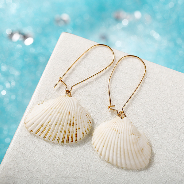 Sea Shell Gold Plated Casual Women Earrings Pair