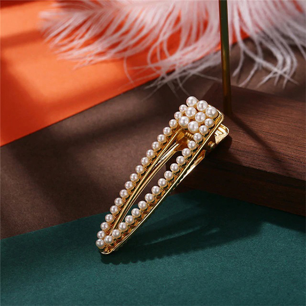 Pearls Patched Golden Hair Clips
