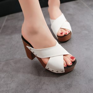 Rivets Patched Thick Heel Casual Sandals - Beige