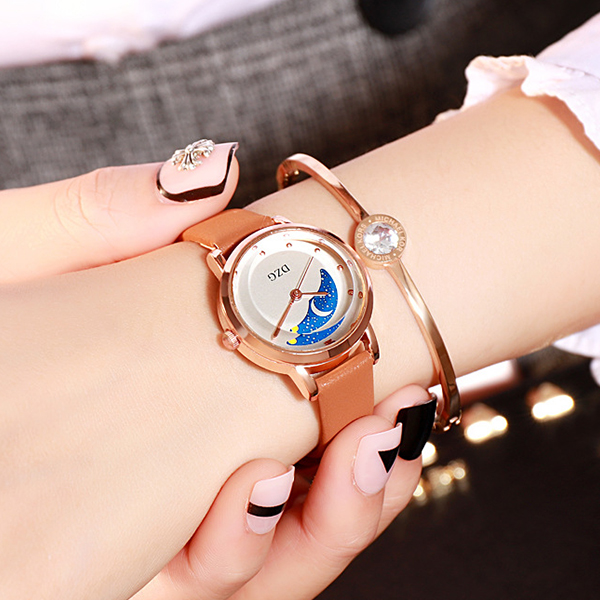 Leather Strappy Casual Wear Wrist Watch - Brown