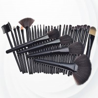 Thirty Two Piece Wooden Handle Luxury Brushes - Black
