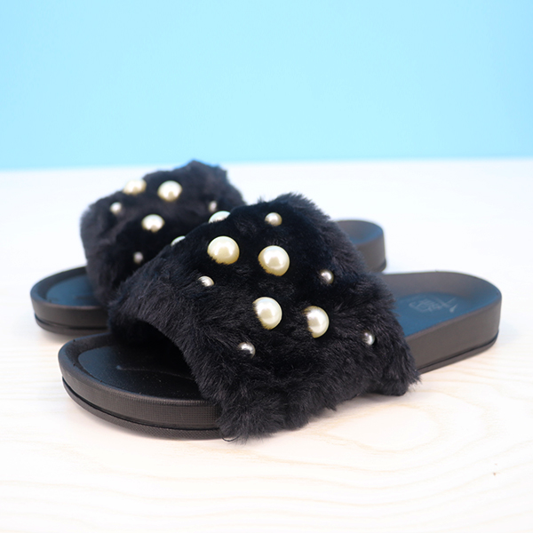 Fluffy Pearl Decorated Flat Wear Casual Sandals - Black