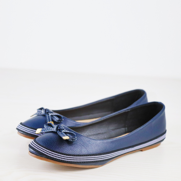 Bow Stitched Leather Branded Flat Shoes - Blue