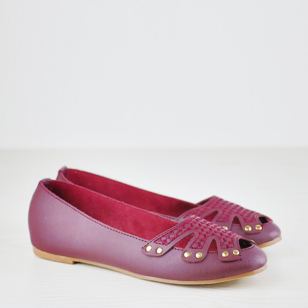 Rivets Decorated Hollow Dorbe Brand Flat Shoes - Burgundy