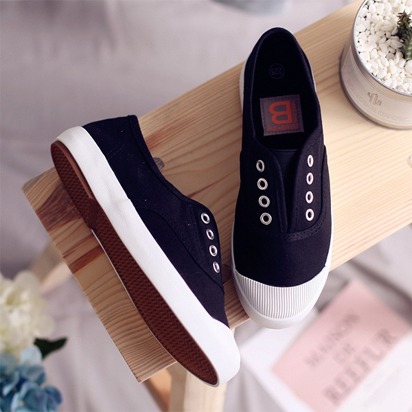 Canvas Flat Lace Casual Wear Sneakers - Black